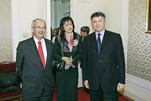 H.E. Michael Humphreys, Nadya Valeva, Ivo Atanasov, at Bulgarian Parliament, May 8, 2007