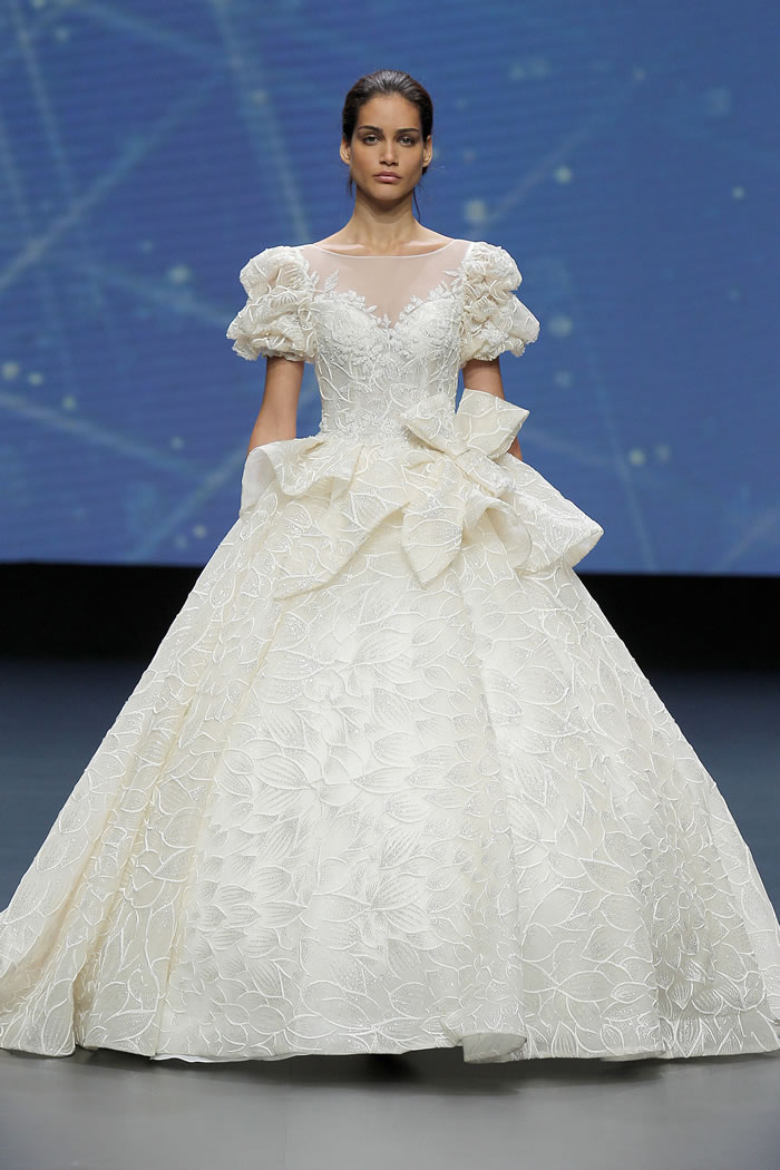 Amelia Casablanca - Valmont Barcelona Bridal Fashion Week 2020